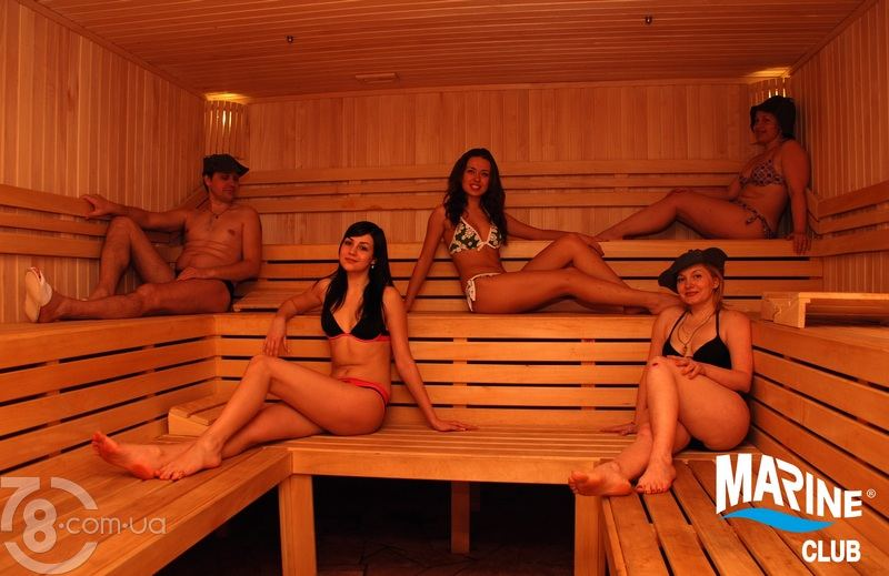 модели развлекаются перед съемкой русская баня КЛАССИКА, сеть аптек